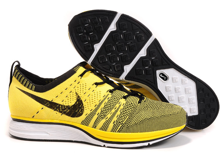 6a3a33d1a47a Nike-Flyknit-Trainer-foot-locker-usa
